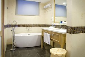 Royale Chulan Penang - Premiere Suite Bathroom