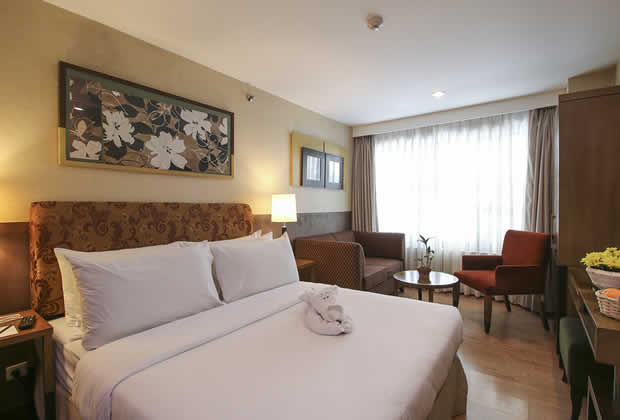 ONE TAGAYTAY PLACE HOTEL SUITES IN TAGAYTAY CITY, PHILIPPINES