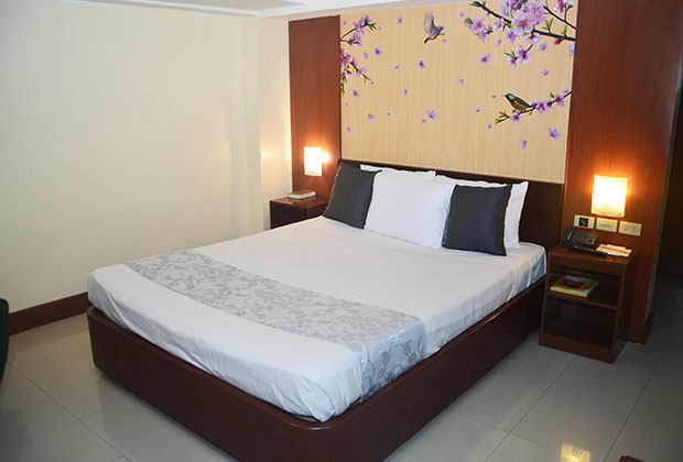Cherry Blossoms Hotel, Manila - Philippines