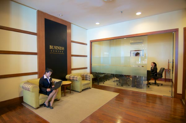 The-Gurney-Resort-Hotel-&-Residences-Business-Center