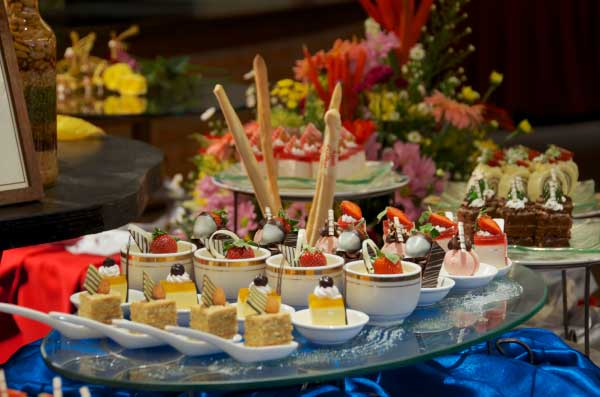 The-Gurney-Resort-Hotel-&-Residences-Desserts-Set