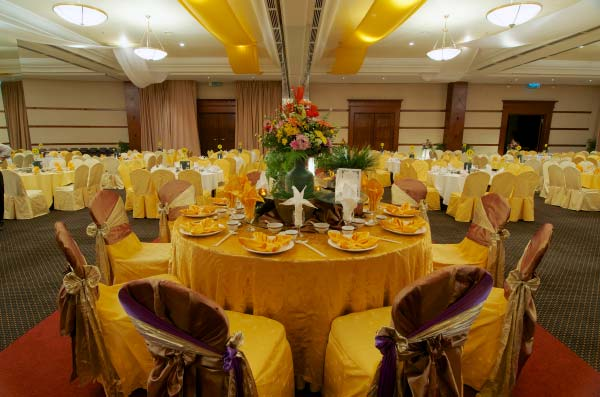The-Gurney-Resort-Hotel-&-Residences-Grand-Ballroom-Table-Setup