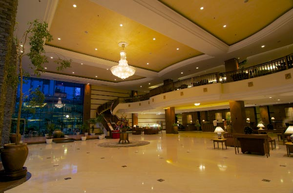 The-Gurney-Resort-Hotel-&-Residences-Lobby