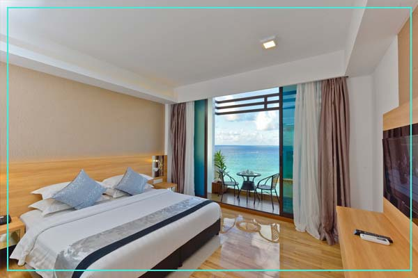 Deluxe-Double-Room-with-Balcony-and-Sea-View