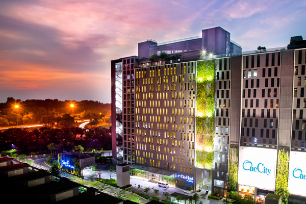 e.City Hotel @ One City - Facade