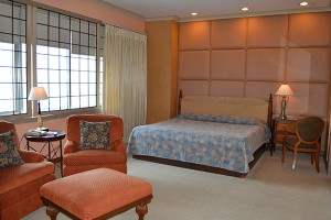the-pearl-manila-penthouse-master-bedroom