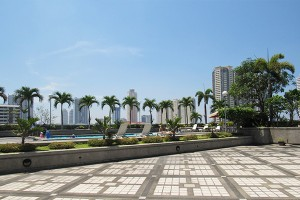 the-pearl-manila-poolview