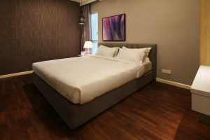 The Shore Hotel & Residences - Three Bedroom Apartment (Bedroom Feather Painting)